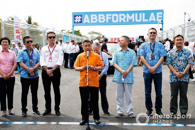 Alejandro Agag, CEO de la Formula E, Jean Todt, Presidente de la FIA, e invitados