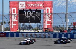 Cole Custer, Stewart-Haas Racing, Ford Mustang Thompson Pipe/Haas CNC and Kyle Busch, Joe Gibbs Racing, Toyota Supra iK9