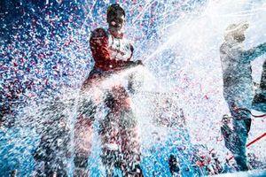 Pascal Wehrlein, Mahindra Racing, fête son premier podium