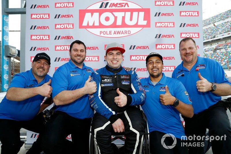 Motul Pole award winner #54 JDC-Miller MotorSports Audi RS3 LMS TCR, TCR: Michael Johnson y equipo