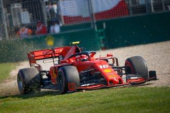 Charles Leclerc, Ferrari SF90 dışa açılıyor