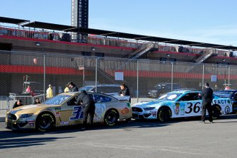 Corey LaJoie, Go FAS Racing, Ford Mustang Hartford Gold Group and Matt Tifft, Front Row Motorsports, Ford Mustang Surface Sunscreen / Tunity