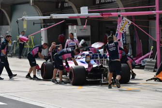 Sergio Perez, Racing Point RP19, in the pits during Qualifying