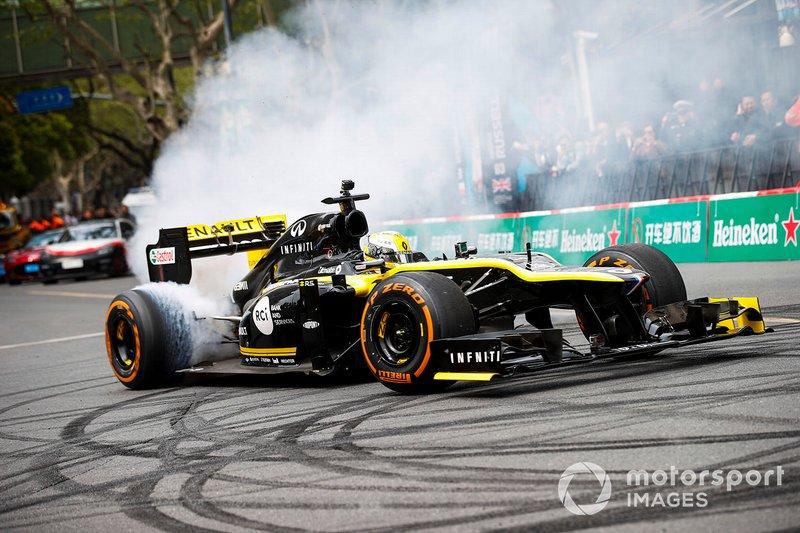 Demostración con Guanyu Zhou, Renault F1 Team