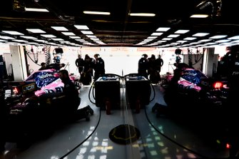 Sergio Perez, Racing Point RP19, returns to the garage