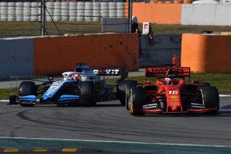 Шарль Леклер, Ferrari SF90, и Роберт Кубица, Williams FW42