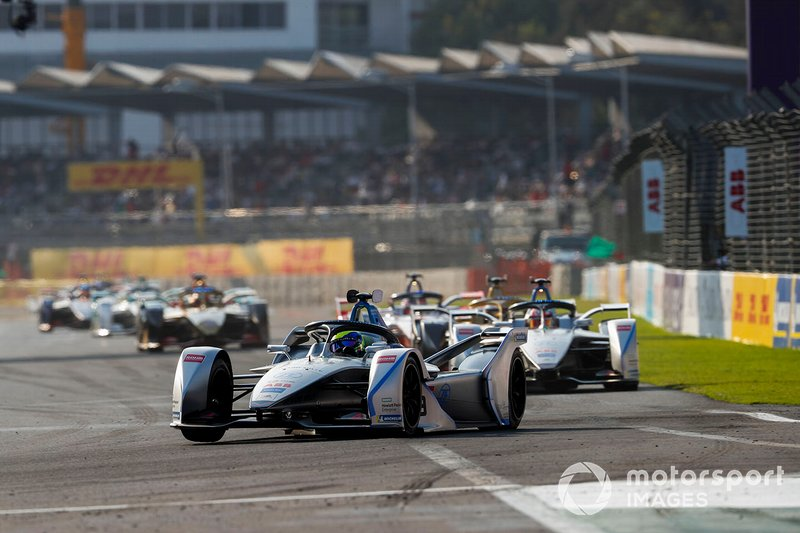 Felipe Massa, Venturi Formula E, Venturi VFE05 Edoardo Mortara, Venturi Formula E, Venturi VFE05, both in attack mode