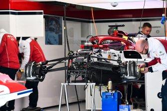 Alfa Romeo Racing C38 front suspension and brakes detail