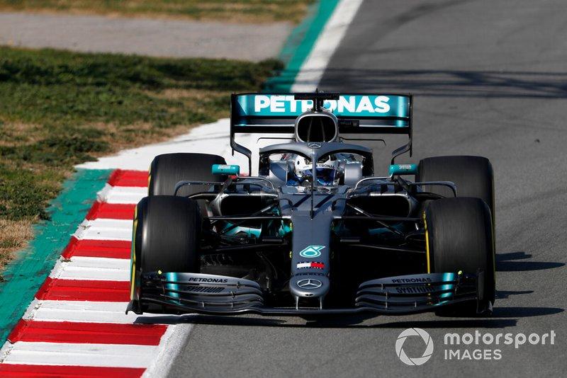 4º Valtteri Bottas, Mercedes-AMG F1 W10, 1:16.561 (neumáticos C5, día 8)