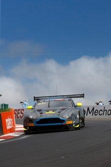 #62 R-Motorsport Aston Martin Vantage GT3: Jake Dennis, Matthieu Vaxiviere, Marvin Kirchhöfer