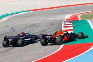 Max Verstappen, Red Bull Racing RB16B, battles with Lewis Hamilton, Mercedes W12