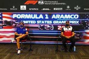 Fernando Alonso, Alpine e Kimi Raikkonen, Alfa Romeo Racing alla conferenza stampa dei piloti