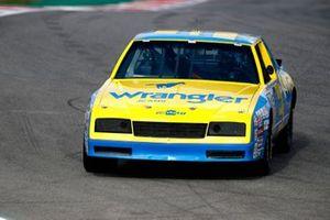 Заезд Даниэля Риккардо, McLaren, на Chevrolet Дейла Эрнхарда из чемпионата NASCAR 1984 года