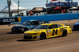 William Byron, Hendrick Motorsports, Chevrolet Camaro Hertz and Erik Jones, Joe Gibbs Racing, Toyota Camry Sirius XM