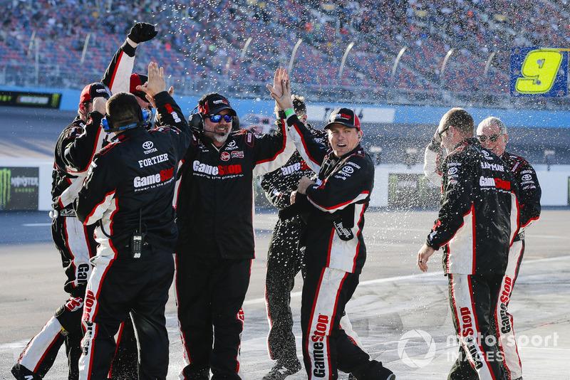 Christopher Bell, Joe Gibbs Racing, Toyota Camry GameStop Just Cause 4 team celebrates