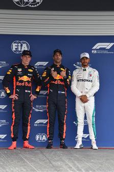 Max Verstappen, Red Bull Racing, Daniel Ricciardo, Red Bull Racing en Lewis Hamilton, Mercedes AMG F1 in Parc Ferme