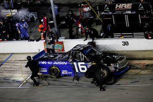 Brett Moffitt, Hattori Racing Enterprises, Toyota Tundra AISIN GROUP, pit stop
