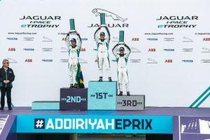 Il podio della classe PRO: il vincitore della gara Simon Evans, Team Asia New Zealand, il secondo classificato Sérgio Jimenez, Jaguar Brazil Racing, il terzo classificato Bryan Sellers, Rahal Letterman Lanigan Racing