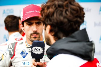 Lucas Di Grassi, Audi Sport ABT Schaeffler being interviewed by the media
