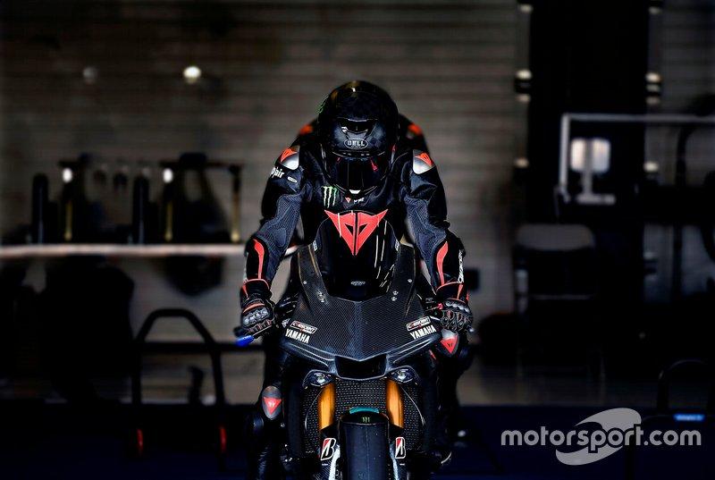 Lewis Hamilton em teste com a Yamaha na Superbike
