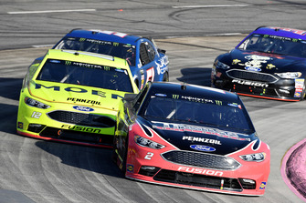 Brad Keselowski, Team Penske, Ford Fusion Thomas Built Buses, Ryan Blaney, Team Penske, Ford Fusion Menards/Moen