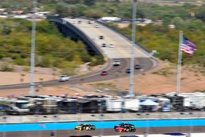 Daniel Suarez, Joe Gibbs Racing, Toyota Camry STANLEY and Kurt Busch, Stewart-Haas Racing, Ford Fusion State Haas Automation/Monster Energy