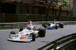 Lella Lombardi (Lavazza March 751 Ford), 6th position, leads Bob Evans (Stanley BRM P201), retired