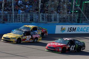 Kurt Busch, Stewart-Haas Racing, Ford Fusion State Haas Automation/Monster Energy, Matt DiBenedetto, Go FAS Racing, Ford Fusion Can-Am/Wholey