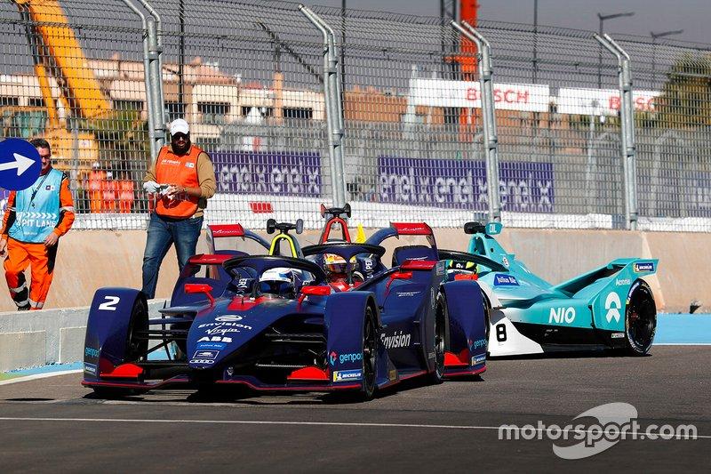 Sam Bird, Envision Virgin Racing, Audi e-tron FE05, Robin Frijns, Envision Virgin Racing, Audi e-tron FE05, and Tom Dillmann , NIO Formula E Team, NIO Sport 004, crash in the pits