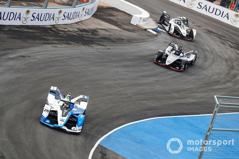 Antonio Felix da Costa, BMW I Andretti Motorsports, BMW iFE.18 Sébastien Buemi, Nissan e.Dams, Nissan IMO1 andJose Maria Lopez, GEOX Dragon Racing, Penske EV-3