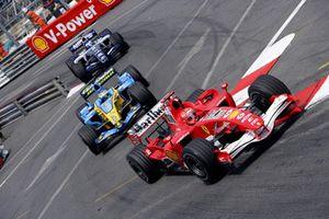 Michael Schumacher, Ferrari 248F1, Giancarlo Fisichella, Renault R26