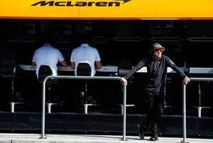 Fernando Alonso, McLaren, stands on the gantry
