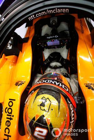 Stoffel Vandoorne, McLaren, in his cockpit