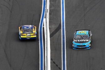 Ricky Stenhouse Jr., Roush Fenway Racing, Ford Fusion SunnyD, Michael McDowell, Front Row Motorsports, Ford Fusion K-LOVE RADIO