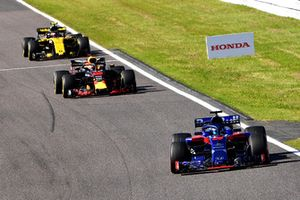 Brendon Hartley, Scuderia Toro Rosso STR13, Daniel Ricciardo, Red Bull Racing RB14 and Carlos Sainz Jr., Renault Sport F1 Team R.S. 18