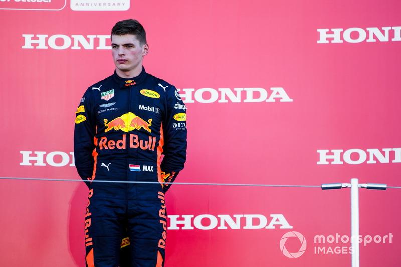 """Max Verstappen: """"Naquela curva não dá para ultrapassar. Eu até dei espaço a ele [Vettel], mas ele passou reto e bateu no meu carro."""""""