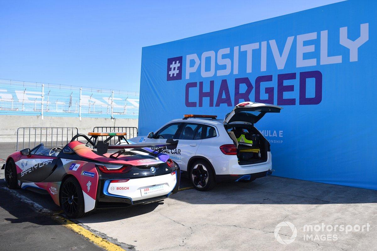 BMW i8 Safety car y el coche médico