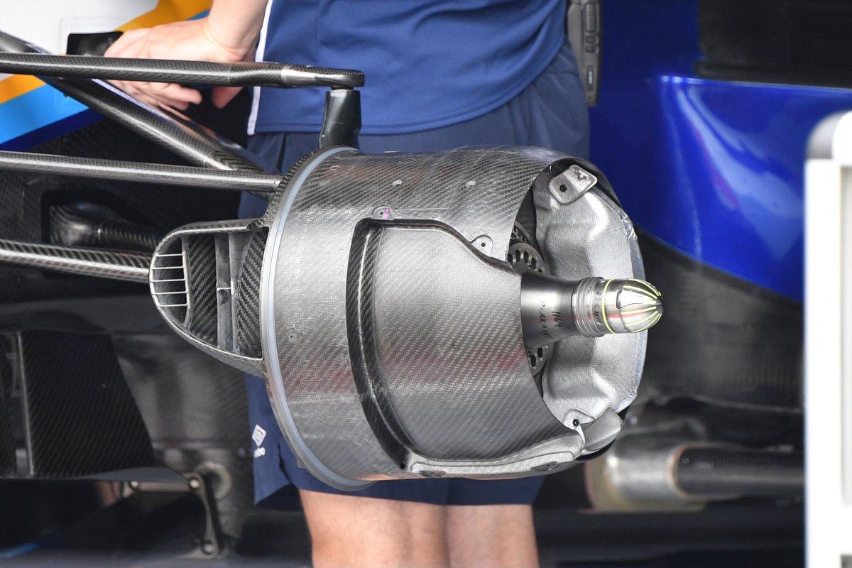 Detalle del conducto del freno delantero del Williams FW43B