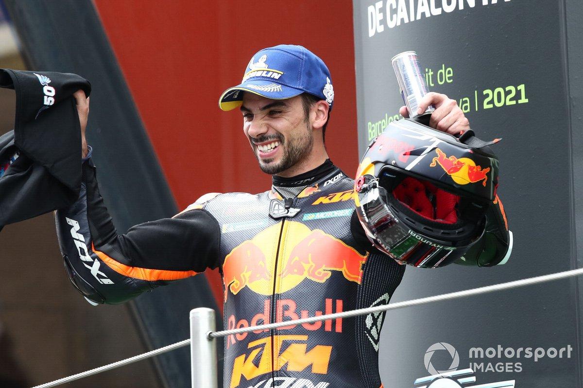 Podio: ganador de la carrera Miguel Oliveira, Red Bull KTM Factory Racing