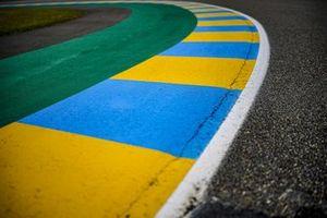 Randsteine am Circuit Bugatti in Le Mans
