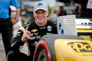 L'auteur de la pole position Josef Newgarden, Team Penske Chevrolet
