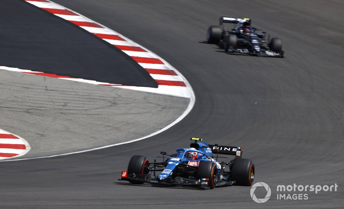 Esteban Ocon, Alpine A521, Pierre Gasly, AlphaTauri AT02