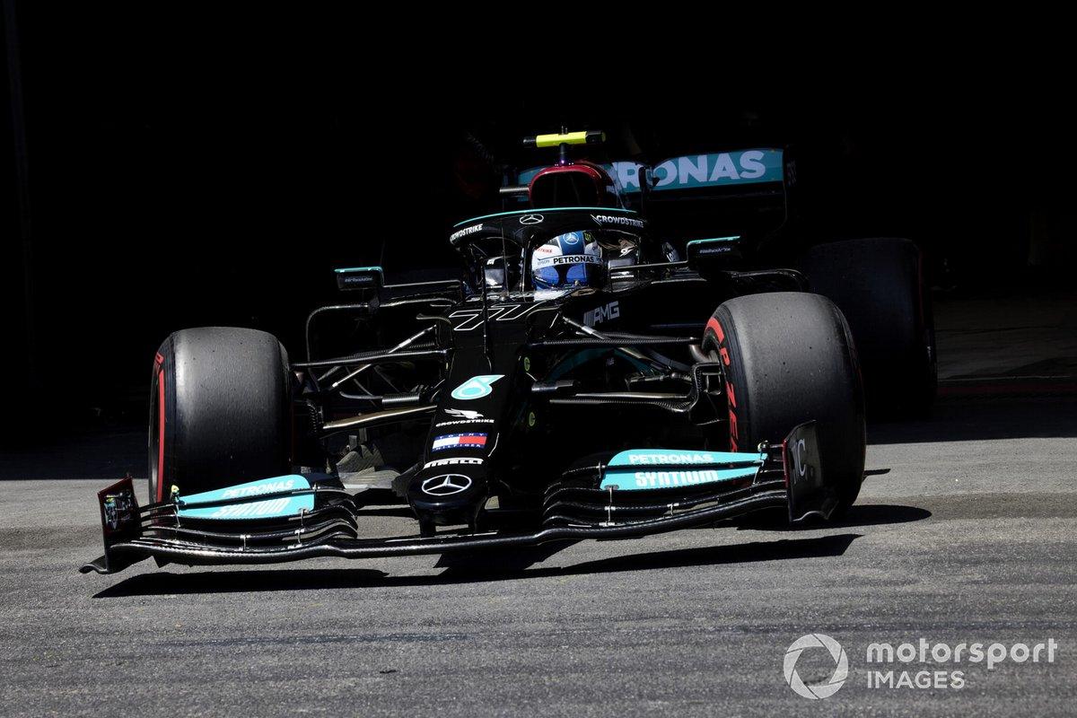 Valtteri Bottas, Mercedes W12, esce dal gargage