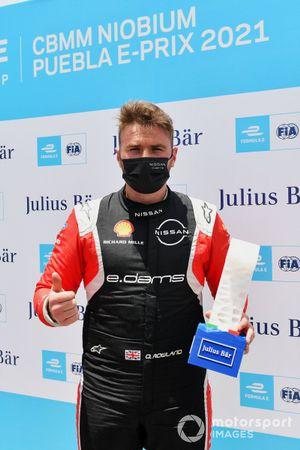 Oliver Rowland, Nissan e.Dams, avec la récompense Julius Baer pour la pole position