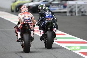 Maverick Vinales, Yamaha Factory Racing, looking at Marc Marquez, Repsol Honda Team
