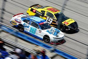 Brandon Jones, Joe Gibbs Racing, Toyota Supra 06 NCWTS Championship, A.J. Allmendinger, Kaulig Racing, Chevrolet Camaro Hyperice