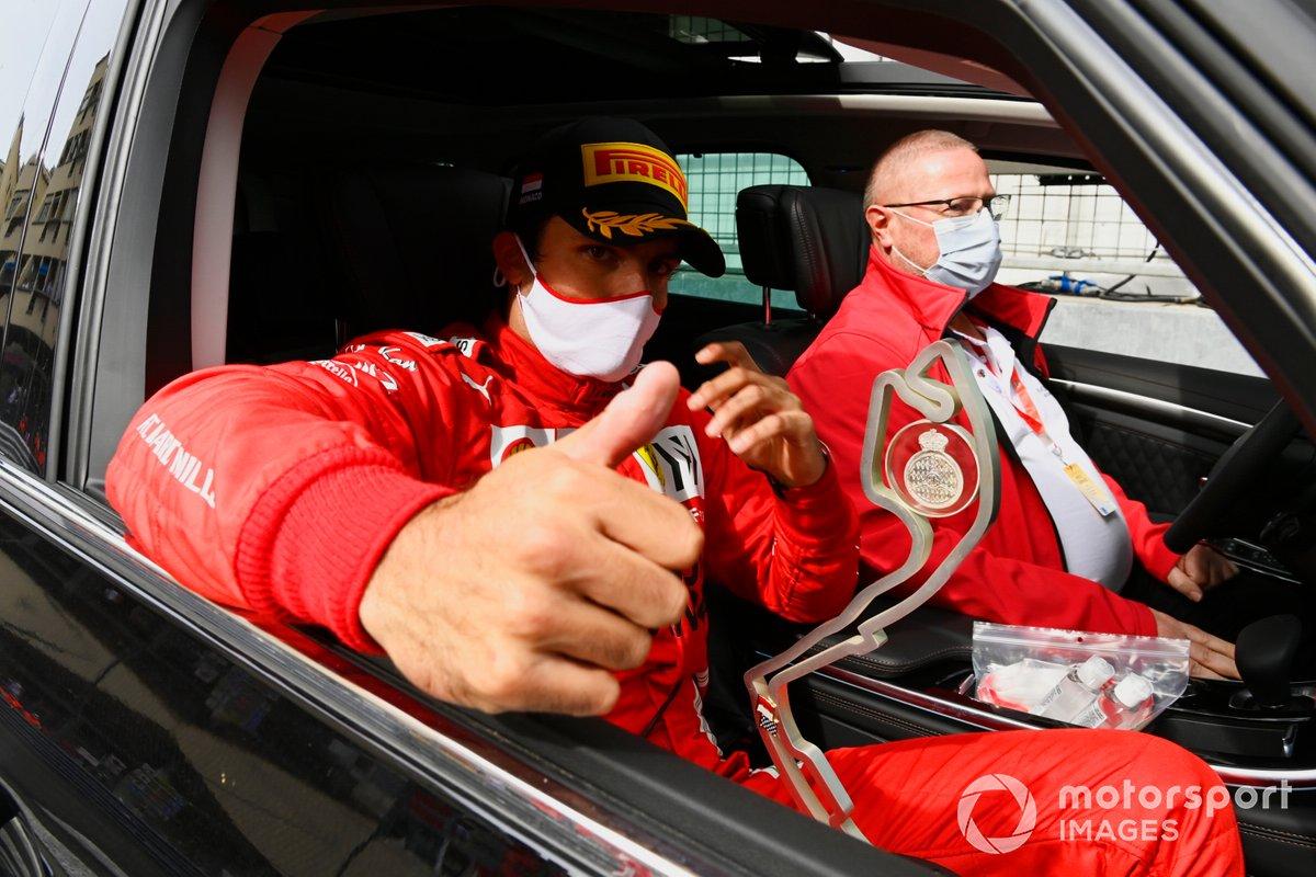 El segundo lugar Carlos Sainz Jr., Ferrari