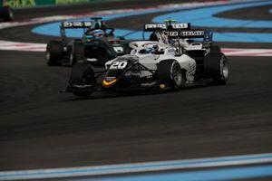 Pierre-Louis Chovet, Campos Racing, devance Matteo Nannini, HWA Racelab