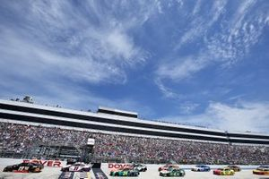 Martin Truex Jr., Joe Gibbs Racing, Toyota Camry leads the field