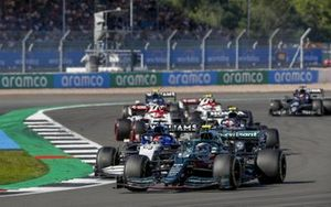 Sebastian Vettel, Aston Martin AMR21, George Russell, Williams FW43B, and Pierre Gasly, AlphaTauri AT02